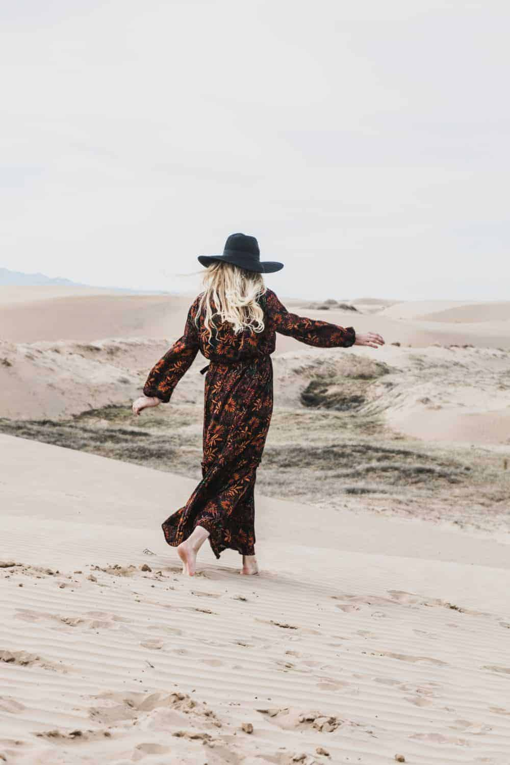 Wearing a Gandoura in the Moroccan desert