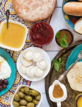 Traditional Moroccan Breakfast: What Moroccans Eat
