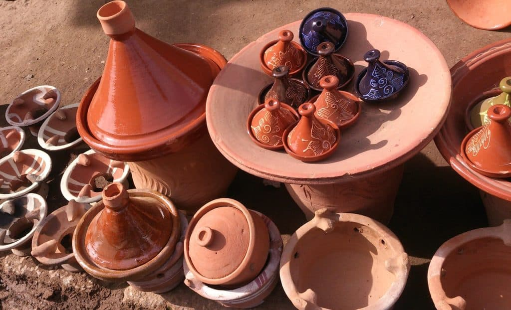 using and seasoning tagine clay posts