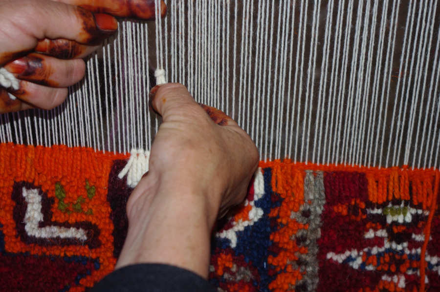 moroccan pillows weaving